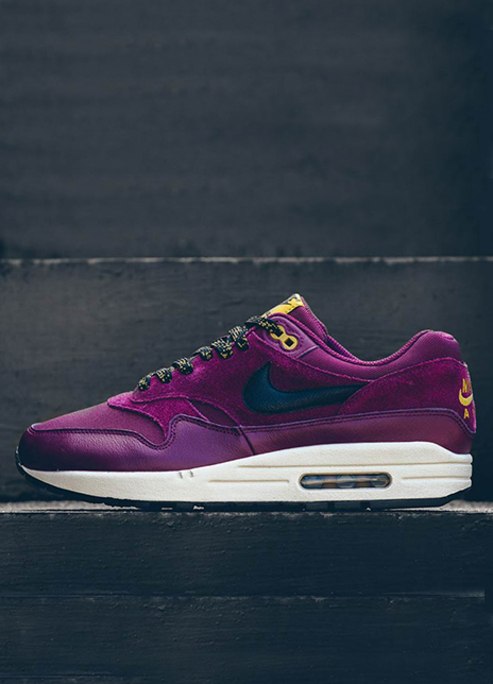 Air max 1 bordeaux desert moss colorway hikers