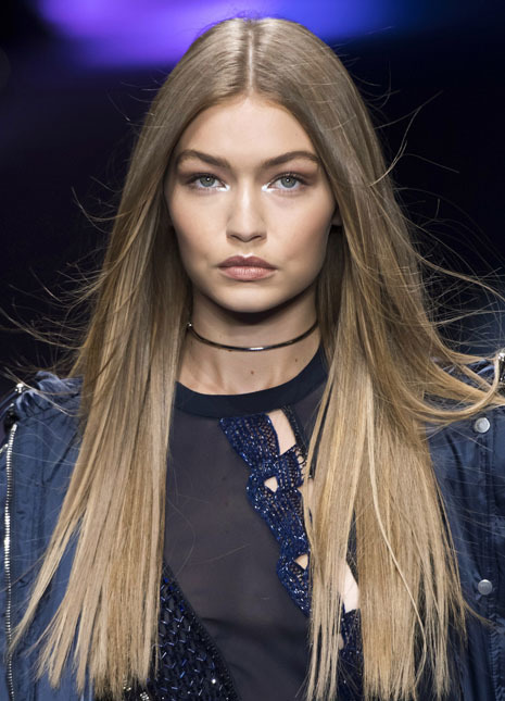 Sleek hair trend gigi hadid