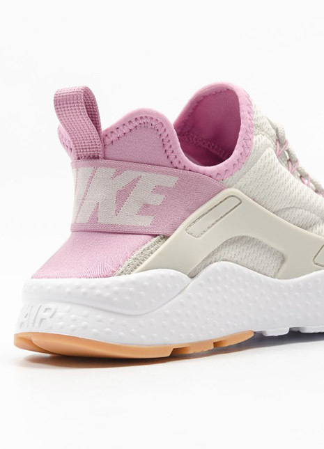Nike wmns air huarache run ultra