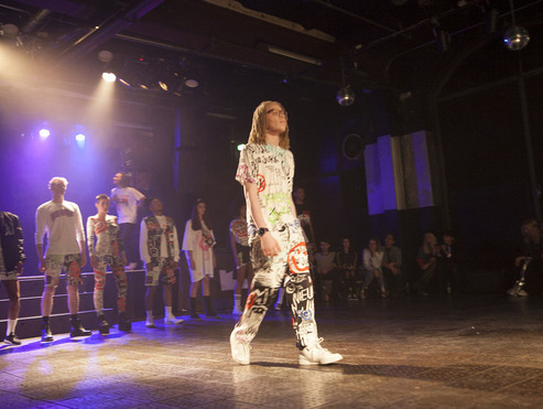Big thumb 112 nieuw jurk berlin alternative fashion week