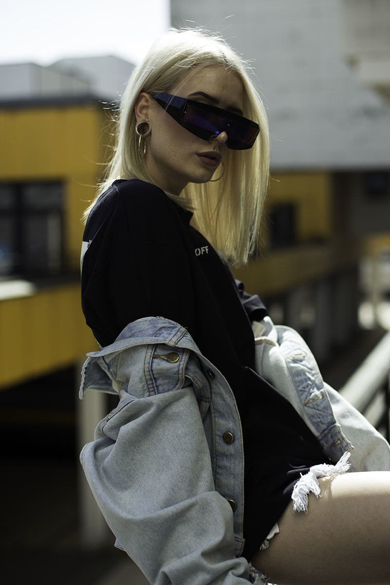 Mona marielle rooftop streetwear fashion shoot fizzy girl fizzy mag