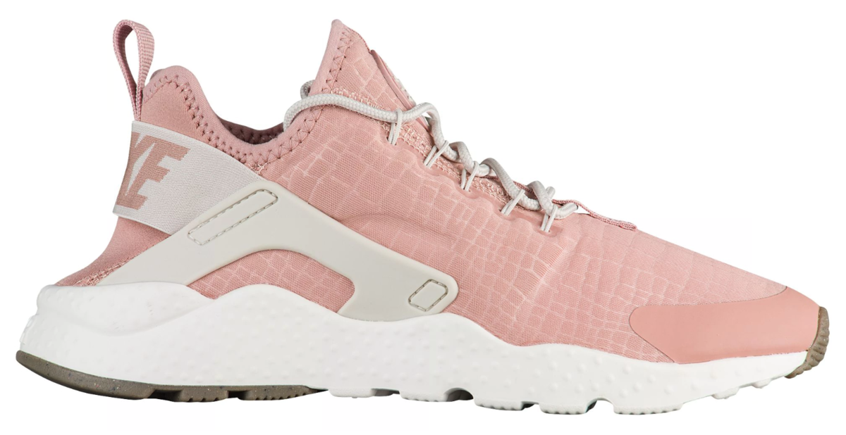 This peachy pink nike air huarache was made for going places