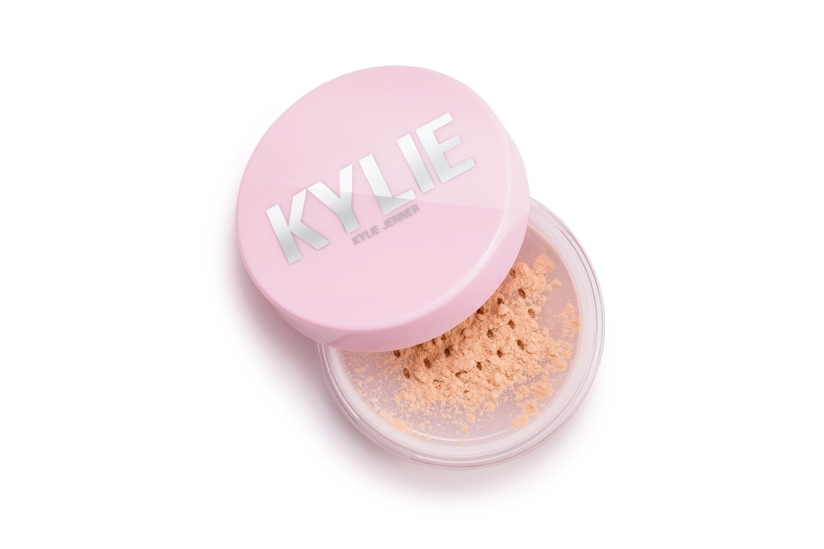 Kylie Cosmetics Loose Setting Powder Finally Drops