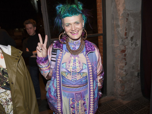 Big thumb 017 nieuw jurk berlin alternative fashion week