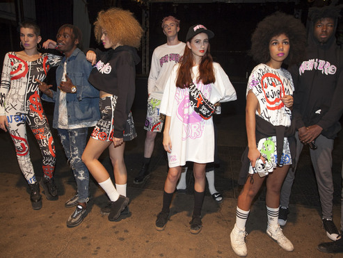 Big thumb 065 nieuw jurk berlin alternative fashion week