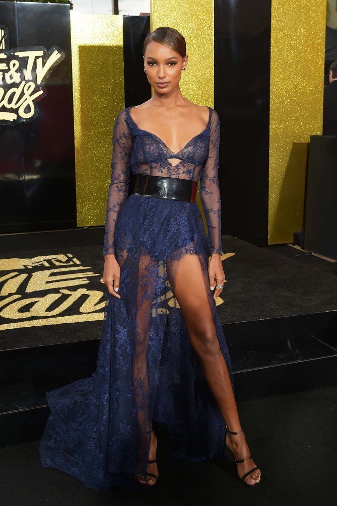 The Best Red Carpet Looks From Mtv Movie Amp Tv Awards The